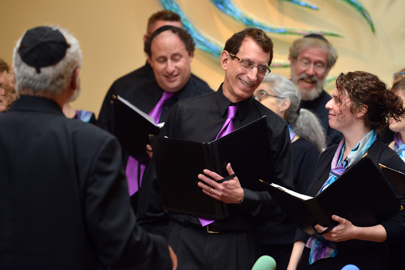Congregation Beth Elohim, singers looking at each other